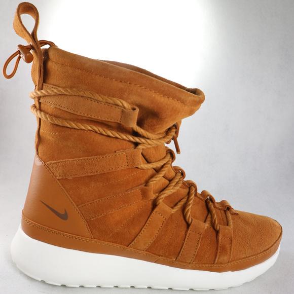 15741e046ec1 NIKE Womens Roshe One Hi Tawny Suede Sneaker Boots